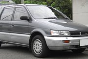 фото Mitsubishi Chariot минивэн 2 поколение