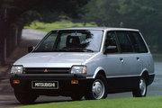 фото Mitsubishi Space Wagon минивэн Typ D00