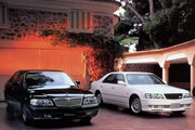 фото Nissan Cima седан Y33