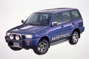 фото Nissan Mistral
