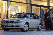 фото Toyota Corolla лифтбэк E110 рестайлинг