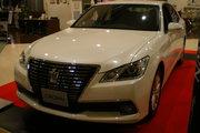фото Toyota Crown