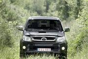 фото Toyota Hilux Double Cab пикап 7 поколение рестайлинг