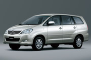 фото Toyota Innova минивэн 1 поколение рестайлинг